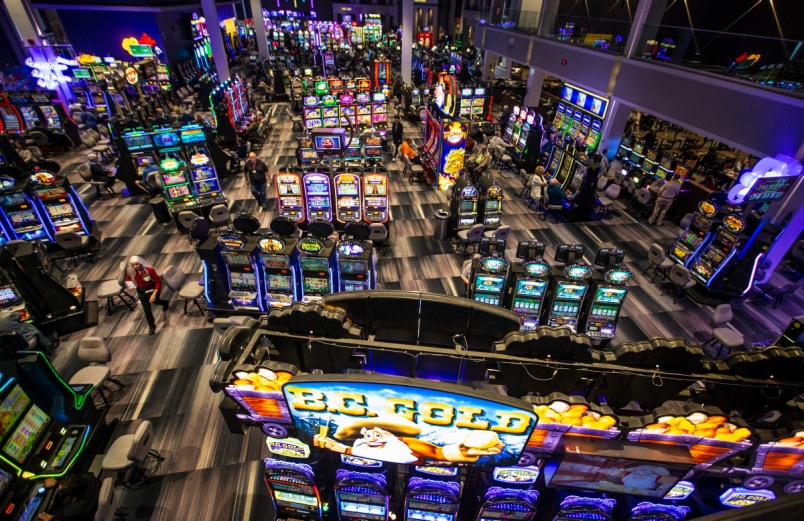 Feel the Perfect Form of Gambling by Playing Slot